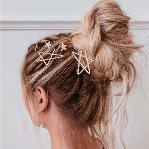 Silver Stone Studded Star Bobby Pin Set in silver